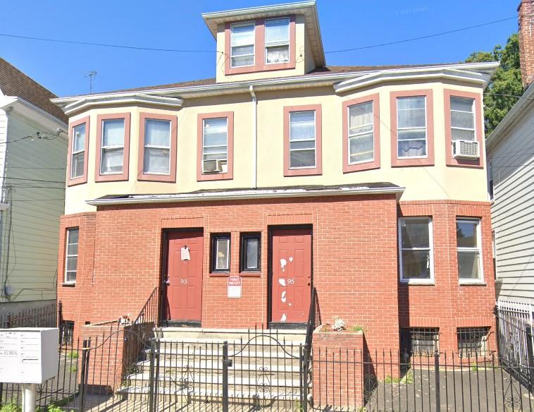 93 Cummings St Irvington NJ 07111